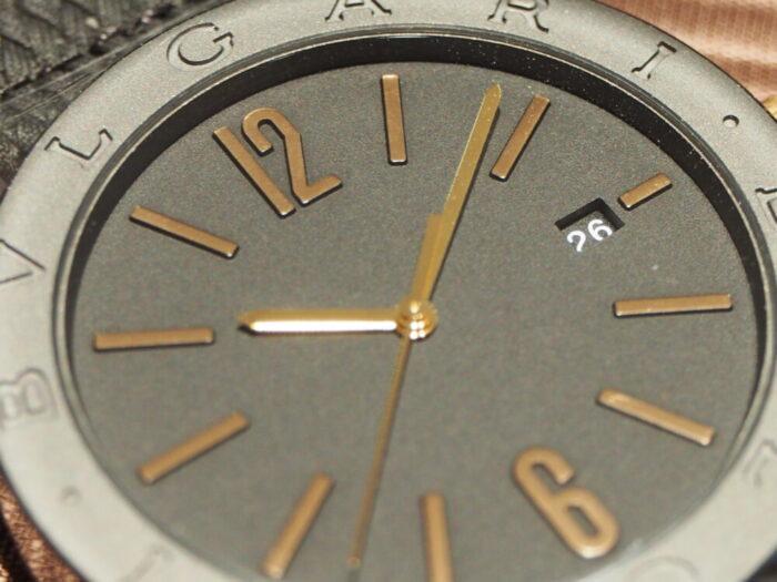 高級感のあるラバーストラップの時計「ブルガリ ブルガリ」-BVLGARI -P7130045-700x525