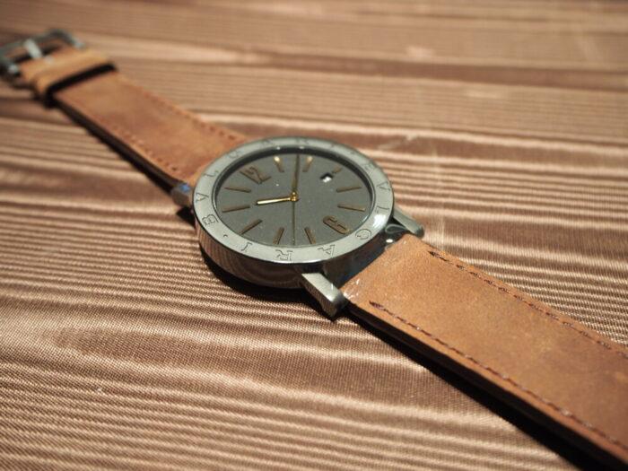 高級感のあるラバーストラップの時計「ブルガリ ブルガリ」-BVLGARI -P7130048-700x525