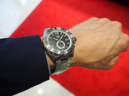 """本格機械式時計ブランド""""タグ・ホイヤー""""を手軽に楽しめる1本「フォーミュラ1 キャリバー6」"""