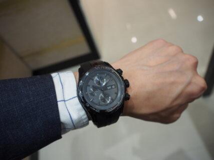 エドックスの黒い時計「グランドオーシャン クロノグラフ オートマティック 10周年日本限定モデル」