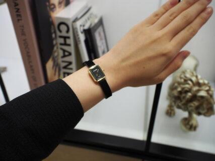 2019年新作 初入荷!ミニサイズの時計が女性らしさを際立たせます!CHANEL「プルミエール ヴェルヴェット」