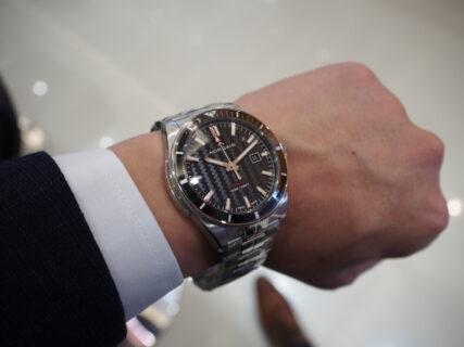 正真正銘スイスメイドの自動巻き腕時計 / ノルケイン アドベンチャー スポーツ オート
