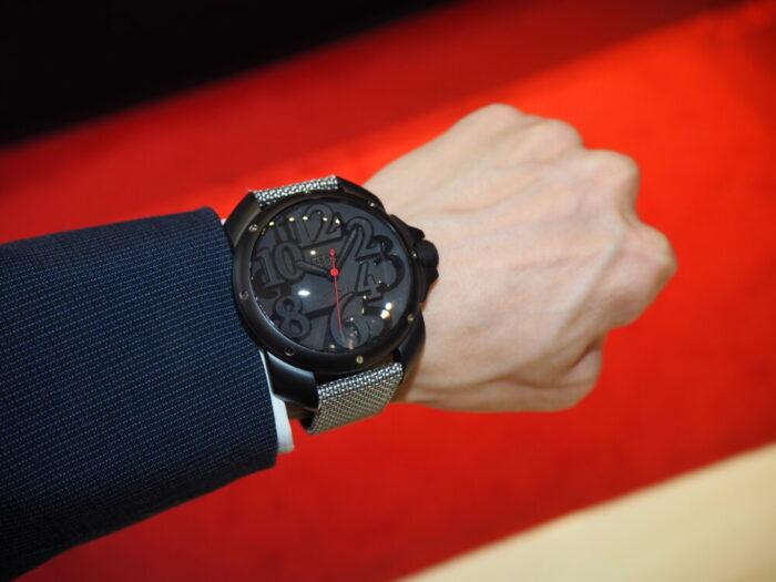 存在感のあるオシャレな時計。「オッソイタリィ ヴィゴローソ ラッフィナート」-OSSO ITALY -P1090303-700x525