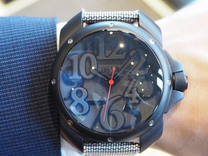 存在感のあるオシャレな時計。「オッソイタリィ ヴィゴローソ ラッフィナート」-OSSO ITALY -P1090305-700x525