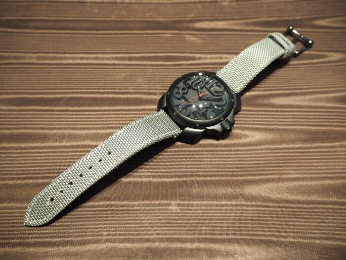存在感のあるオシャレな時計。「オッソイタリィ ヴィゴローソ ラッフィナート」-OSSO ITALY -P1090307-700x525