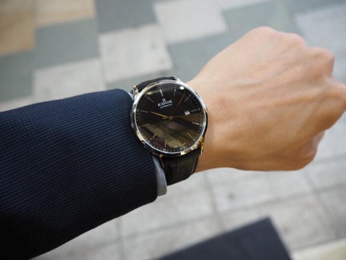 成人祝いにおすすめ。新社会人でも使える一生モノの時計「EDOX レ・ヴォベール ラ・グランデ・ルネ オートマチック」-EDOX -P1120355-700x525