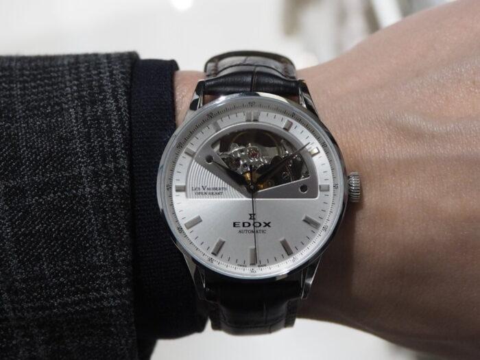 新社会人からの本格機械式時計「エドックス レ・ヴォーベル オープンハート オートマチック」-EDOX -P1210495-700x525