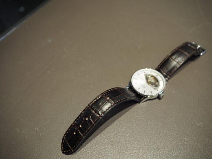 新社会人からの本格機械式時計「エドックス レ・ヴォーベル オープンハート オートマチック」-EDOX -P1210498-700x525