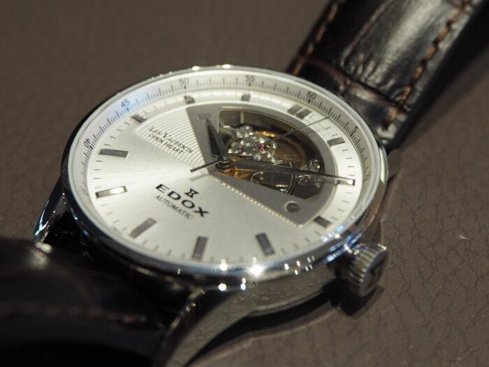 新社会人からの本格機械式時計「エドックス レ・ヴォーベル オープンハート オートマチック」-EDOX -P1210500-700x525
