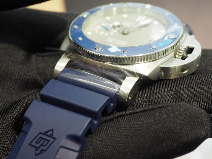 """ブルー""""海"""" × グレー""""鮫""""を表現したダイバーズ「パネライ サブマーシブル 42mm」-PANERAI -P1300589-700x525"""