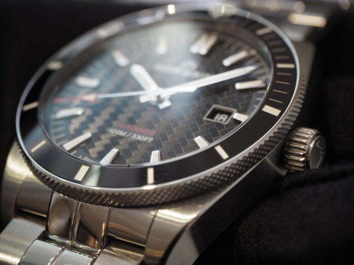 初めての機械式時計にオススメはノルケイン アドベンチャースポーツ-NORQAIN -P4180226-700x525