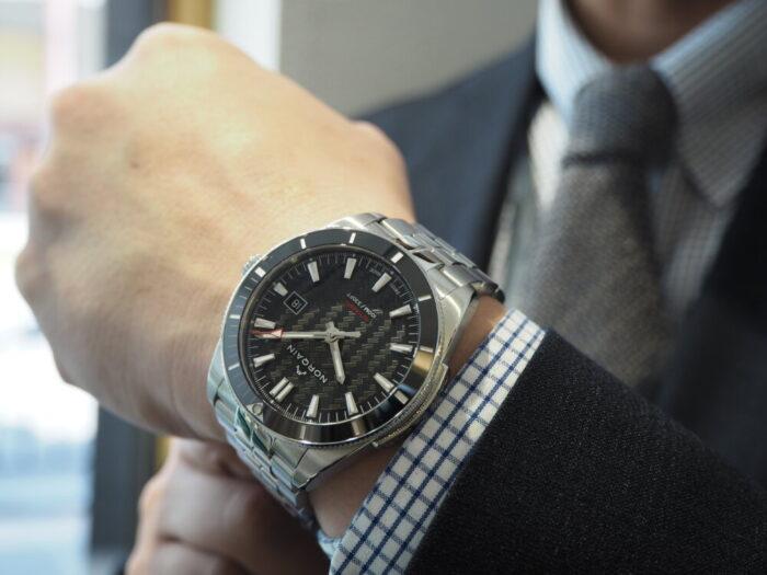 初めての機械式時計にオススメはノルケイン アドベンチャースポーツ-NORQAIN -P4180237-700x525