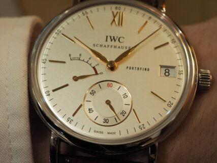 "IWC ""アナログだから面白い"" 週に1回、手巻き式腕時計のゼンマイを巻く上質な時間。"