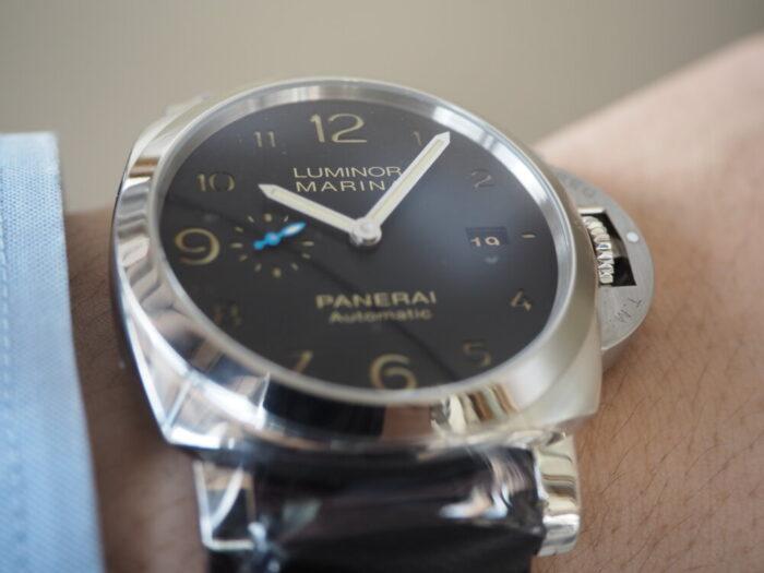 無骨な本格時計は腕に乗せてこそ本当の魅力を感じられます。パネライ ルミノール マリーナ1950 3デイズ-PANERAI -P5190018-700x525