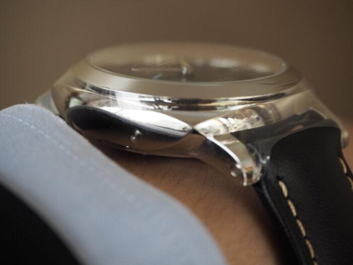 無骨な本格時計は腕に乗せてこそ本当の魅力を感じられます。パネライ ルミノール マリーナ1950 3デイズ-PANERAI -P5190019-700x525