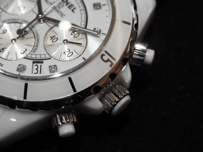 【シャネル】セラミック製の時計、J12はこれからの季節にぴったりです。「J12 クロノグラフ」-CHANEL -P5220044-700x525