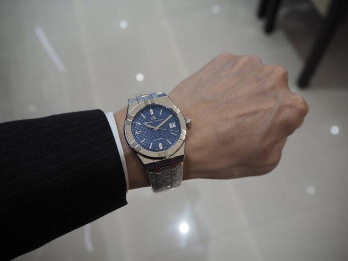 腕の細い男性にもおすすめのサイズ「モーリス・ラクロア アイコン オートマティック 39㎜」-MAURICE LACROIX -P5280106-700x525