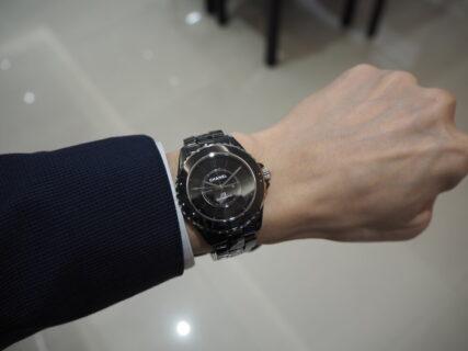 【シャネル】当店初入荷。ブラックが際立つ美しい時計「J12 ファントム」