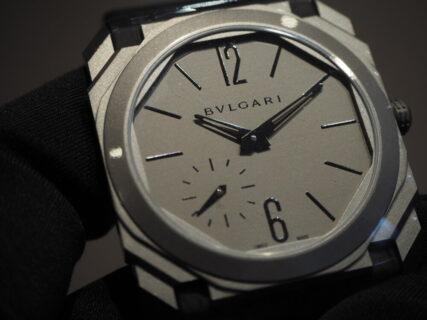薄型時計の最高峰をお手に取ってご覧下さい。ブルガリ オクト フィニッシモ 102711