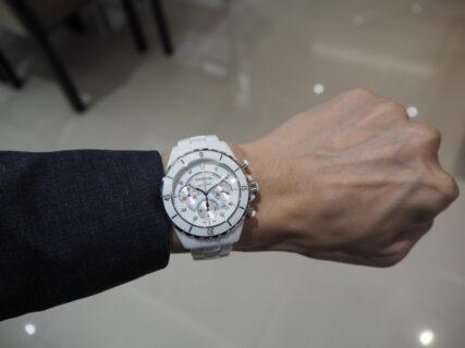 白い時計で男性人気ナンバー1「シャネル J12 クロノグラフ」