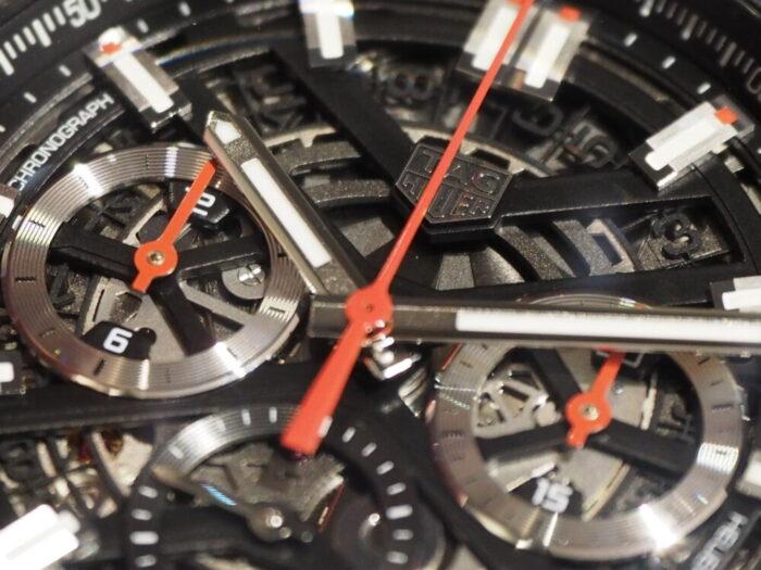 信頼性が高く、最先端エンジン「タグ・ホイヤー カレラキャリバーホイヤー02クロノグラフ」-TAG Heuer -P9050217-700x525
