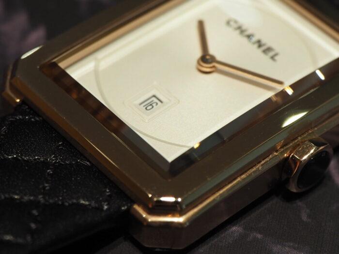 自分らしいスタイルを確立した女性の為の時計「シャネル ボーイフレンド」-CHANEL -PA150107-700x525