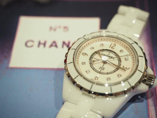 パールとダイヤで可愛さが増す「シャネル J12 29mm」-CHANEL -PB160533-600x450