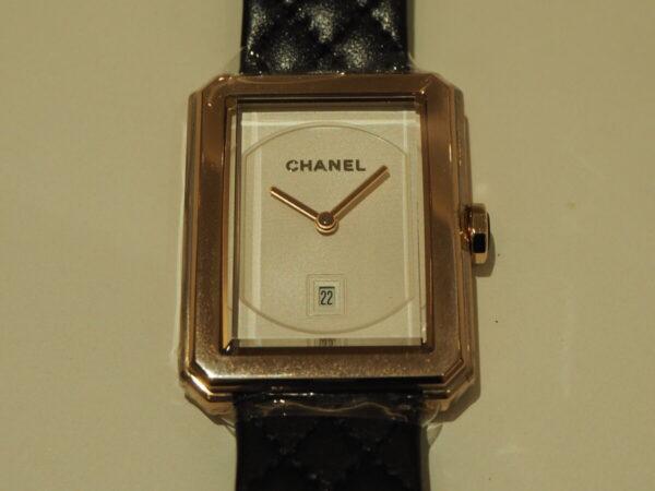 上品なベージュゴールドがおしゃれを格上げ「シャネル ボーイフレンド H6588」-CHANEL -P1211370-600x450