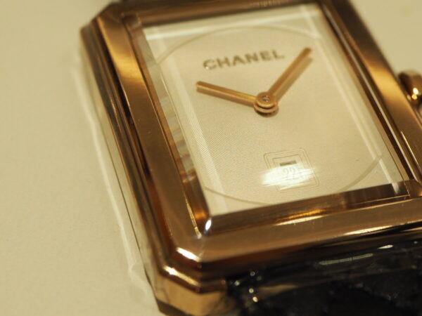 上品なベージュゴールドがおしゃれを格上げ「シャネル ボーイフレンド H6588」-CHANEL -P1211372-600x450
