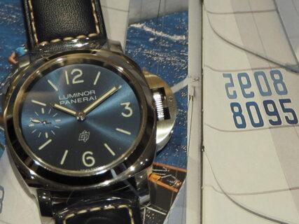 イタリア語で青い海…。パネライ「ルミノール ロゴ ブルーマーレ」