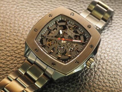 男らしいスケルトンの時計「OSSO ITALY ヴィゴローソ」