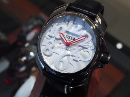 存在感のあるおしゃれ時計「オッソ イタリィ ヴィゴローソ」