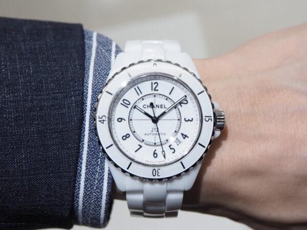 あの有名人も着用している高級腕時計。「シャネル J12 キャリバー12.1」-CHANEL -P5053219-600x450