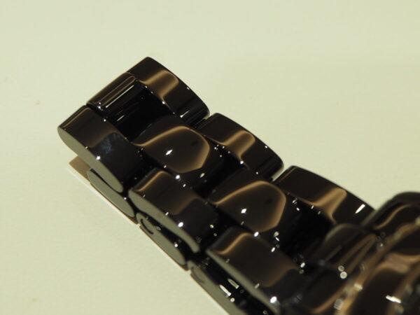 ブラックセラミックの高級感が堪らない。「シャネル J12 33mm」-CHANEL -P5080017-600x450