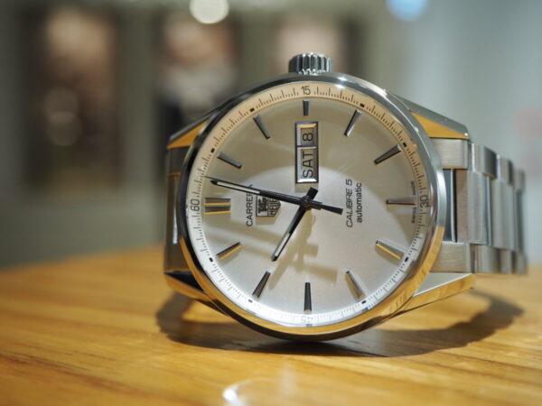 タグ・ホイヤーが贈る上品なシンプル時計…。「カレラ キャリバー5 オートマティック」-TAG Heuer 鹿児島店からのお知らせ フェア・イベント情報 -P5083293-600x450