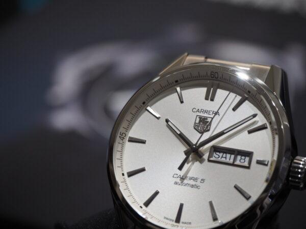 タグ・ホイヤーが贈る上品なシンプル時計…。「カレラ キャリバー5 オートマティック」-TAG Heuer 鹿児島店からのお知らせ フェア・イベント情報 -P5083297-600x450