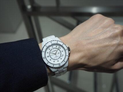 男性にも大人気、白い時計といえばシャネル「J12 ホワイト」