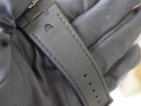 【モーリスラクロア】初めての高級時計にお薦め「アイコン オートマティック ブラック」-MAURICE LACROIX -P6060451-600x450