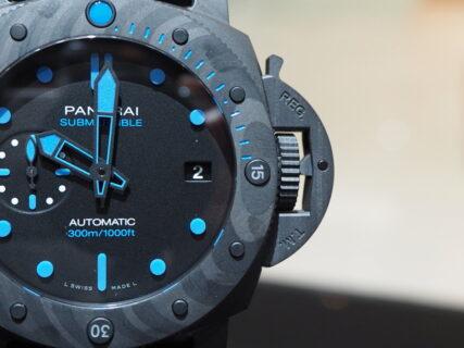 腕元での存在感がシンプルにカッコいい…。パネライ「PAM00960」