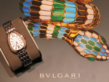 スネークヘッドが美しく光り輝く…。ブルガリ「セルペンティ セドゥットーリ」