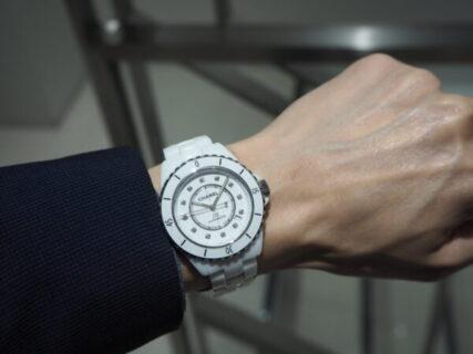 夏に向けて時計をお探しの方必見「シャネル J12 ホワイト」