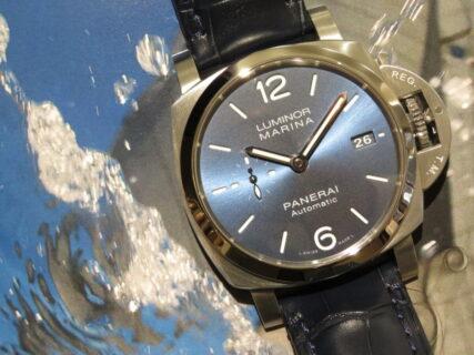 当店初入荷…ブルーで統一された2021年新作モデル。パネライ「ルミノール マリーナ」