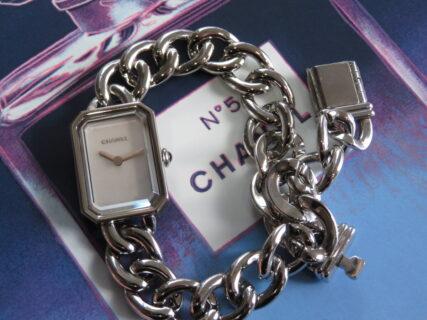 シャネルが初めて発売した腕時計といえば「プルミエール」