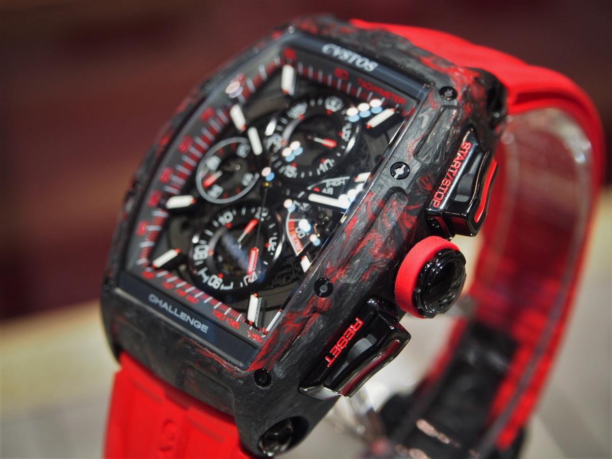 かぶらない時計が欲しいならクストスのチャレンジ クロノ