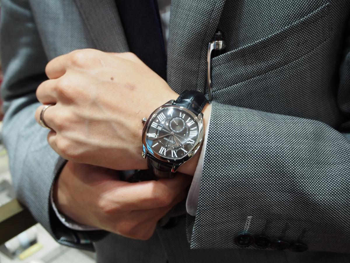 気品あるデザイン、装着感が魅力的「ドライブ ドゥ カルティエ」WSNM0009-Cartier -P8220006