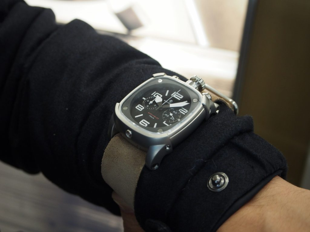 冬場の時計はこう着ける!肌寒くても腕元のオシャレはお忘れなく…-BREITLING CT Scuderia IWC PANERAI -P1170103-1024x768