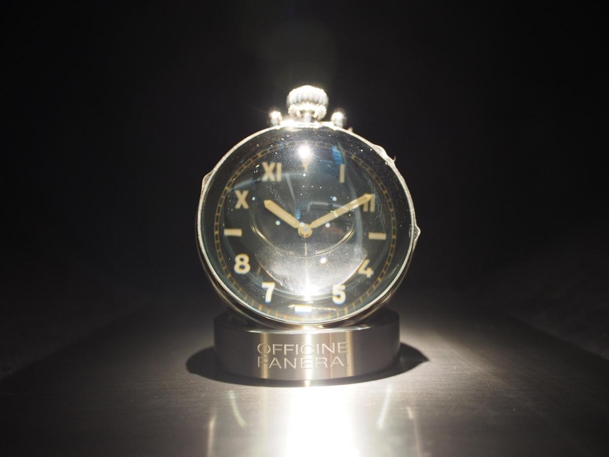 店内で唯一の機械式置時計!