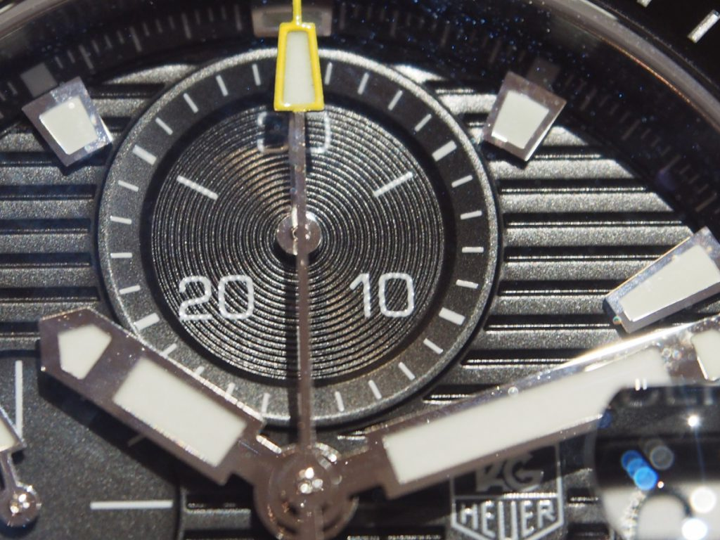 オンオフどちらでも使える、スタイリッシュでスポーティーなクロノグラフ【アクアレーサー】-TAG Heuer -P2100665-1024x768
