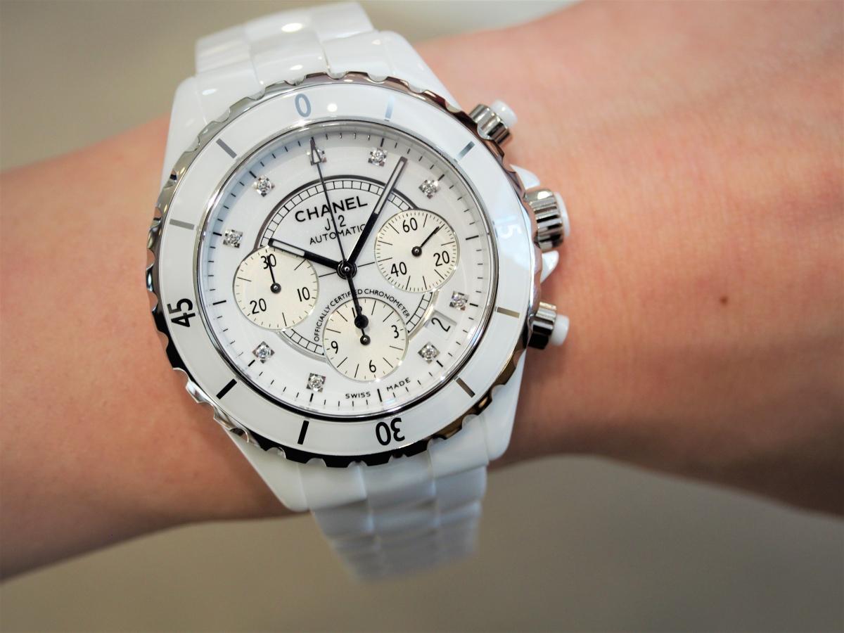 シャネル/男性に人気の「J12 クロノグラフ」華やかに腕元を飾れる時計-CHANEL -P5031791-1