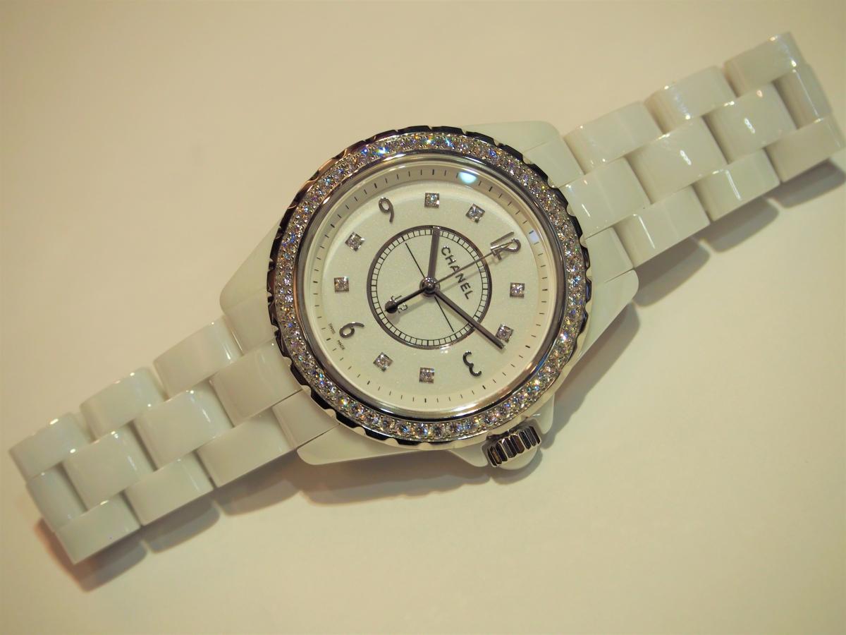 【CHANEL FAIR】終了間近!ホワイトのJ12ダイヤモンドモデル-CHANEL -P7140195